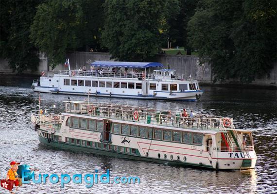 водный транспорт Праги
