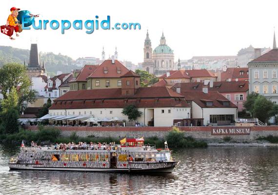 водный транспорт в Праге
