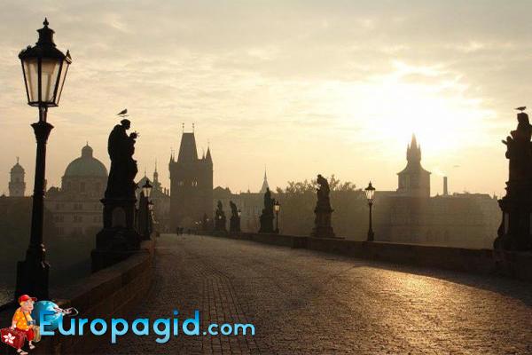 скульптуры Крлова моста