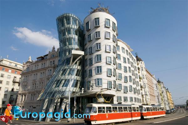 танцующий дом в Праге как добраться