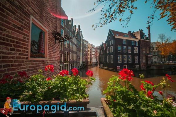 Амстердам столица какой страны интересно