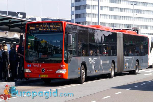 как добраться из аэропорта Амстердама на автобусе большом