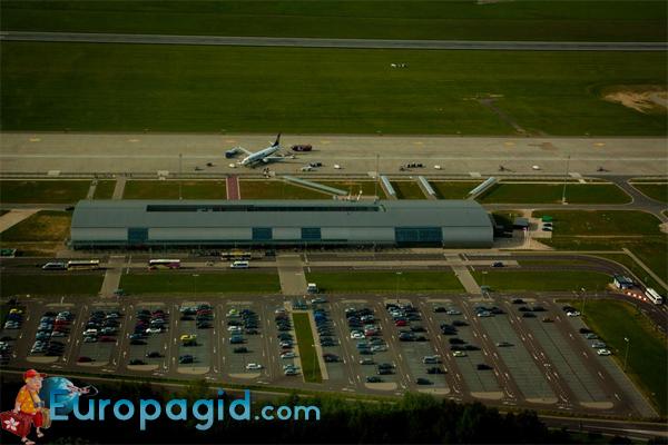 терминалы Аэропорт  Модлин