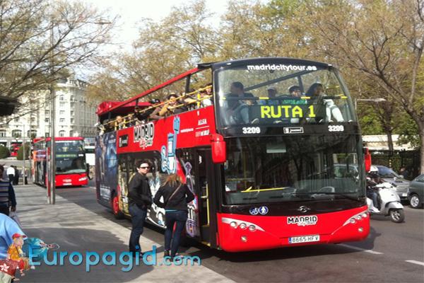 туристический автобус в Мадриде