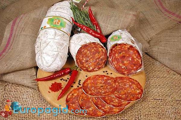 Колбасные сувениры из Италии