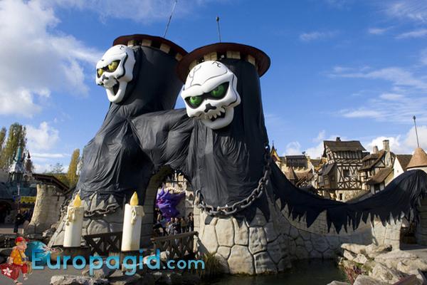 Скульптуры парка Астерикса в Париже