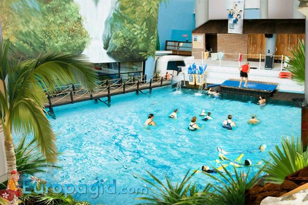 аквапарк аквабульвар в Париже для всей семьи
