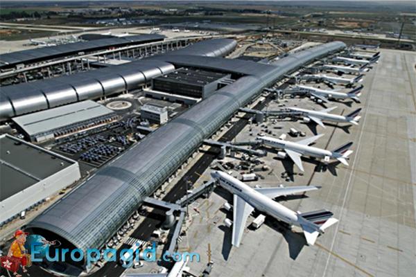 аэропорт Шарля де Голля в Париже