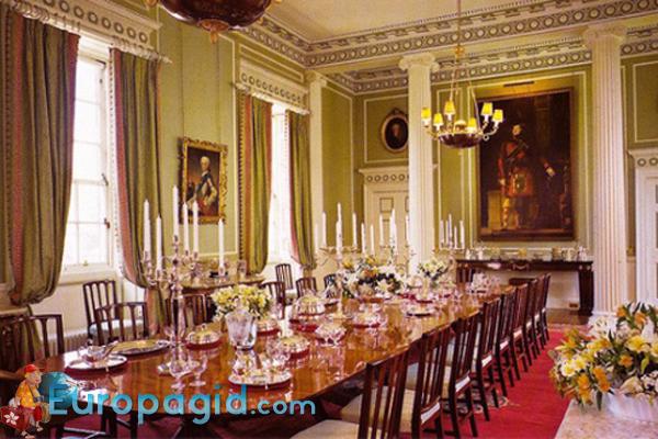 холирудский дворец Эдинбурга как добраться