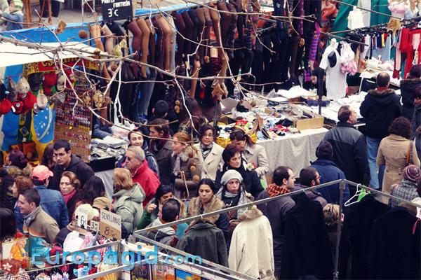 блошиный рынок Эль Растро в Мадриде