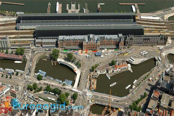 вокзал Амстердама на карте