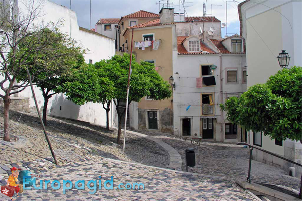Район Алфама в  Лиссабоне для всех