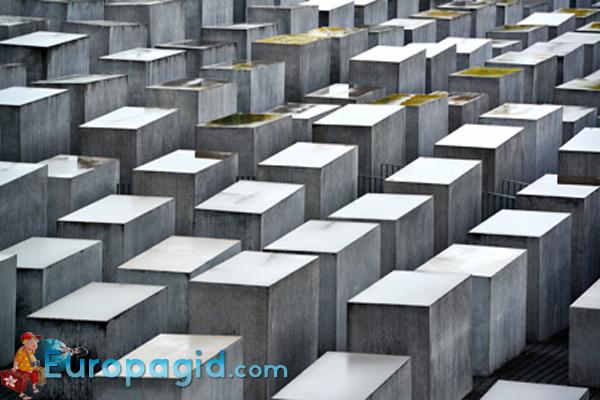 Мемориал памяти убитых евреев Европы в Берлине