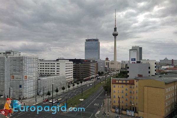 Площадь Александерплац в Берлине